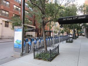 Citibike Stand on 35th Street